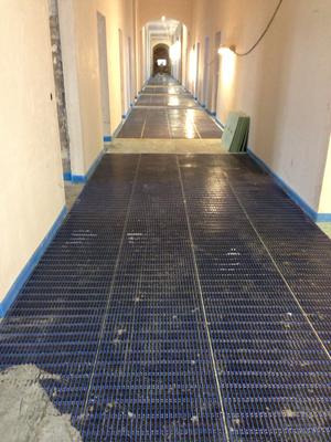 Fußbodenheizung Flurbereich: Kapillarrohrmatten vor dem Vergießen.